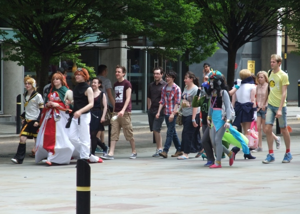 Cosplayers Arriving