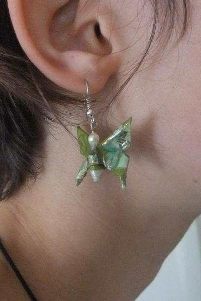 Origami Earings from https://sites.google.com/site/gambattejapan/home
